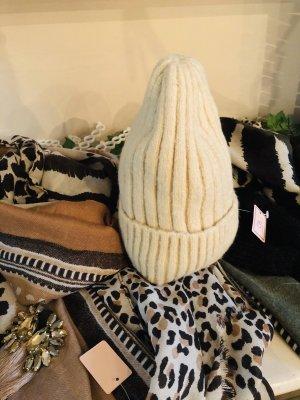Sombrero de punto blanco puro-crema