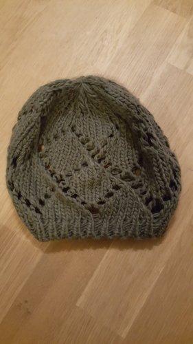 Sombrero de punto gris oscuro