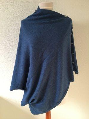 Poncho en tricot bleu acier