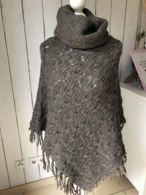 Poncho en tricot gris-gris brun
