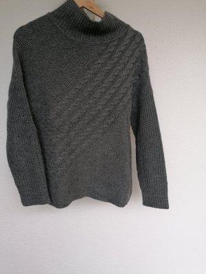 Sweter z dzianiny srebrny