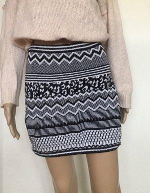 H&M Divided Knitted Skirt black-white