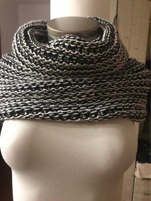 0039 Italy Snood zwart-wit