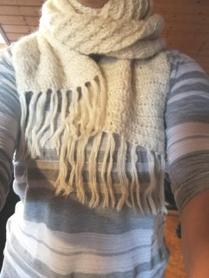 H&M Divided Knitted Scarf cream