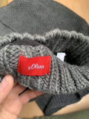 s.Oliver Chapeau en tricot gris anthracite