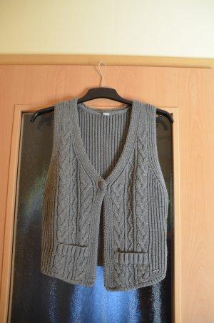 s.Oliver Knitted Vest grey