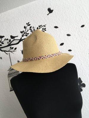 Straw Hat cream