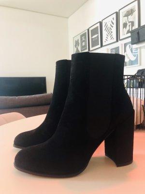 Stuart Weizman Boots