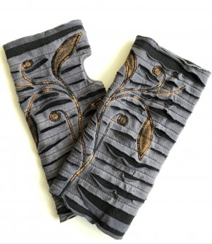 Stulpen Ranke Grau braun Fleece Baumwolle Daumenloch 23x22 cm