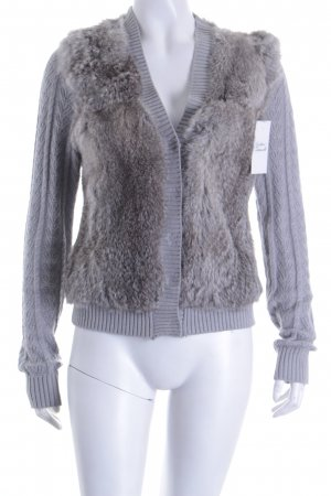 Style & Butler Strickjacke grau-graubraun Zopfmuster Fellbesatz