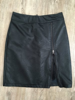 Styleboom Rock Lederoptik Spitze Größe S schwarz Reißverschluss