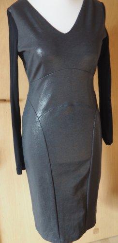 Styling für's Fest! Kleid mit WOW-Effekt von Rene Lezard in neuwertigem Zustand in Gr. 38