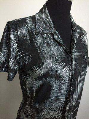 Stylische Bluse schwarz/weiß Batik-Look