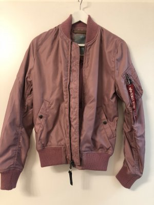 Stylische Bomberjacke in Dusty Pink
