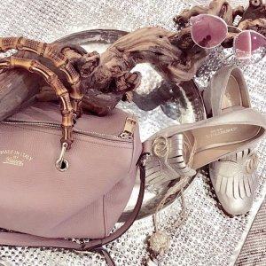Stylische goldene Loafers im Gucci Style