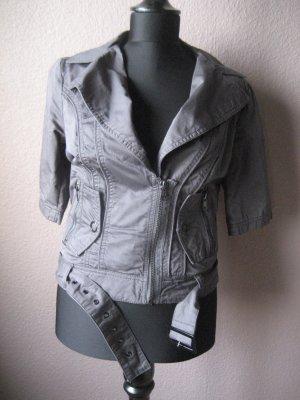 Stylische Jacke im Bikerlook