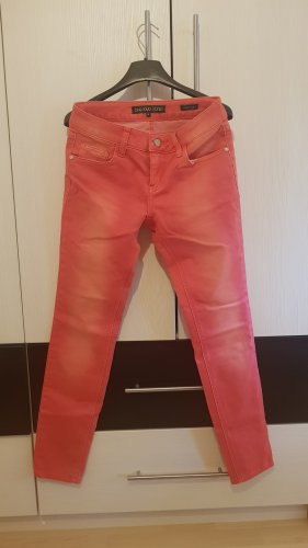stylische Jeans in cooler Farbe