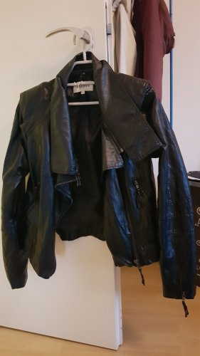 Stylische Lederjacke in schwarz