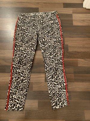 Stylische Leo Jeans