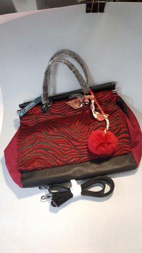 stylische rot-schwarze Handtasche