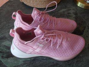 Stylische Sneaker/Sportschuhe PUMA NEU GR 40
