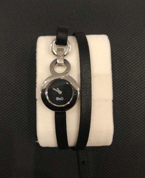 Stylische Uhr mit Doppelarmband von D&G