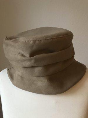 Miękki kapelusz z szerokim opuszczonym rondem beżowy
