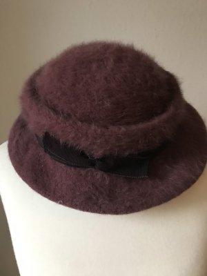 Sombrero de piel púrpura