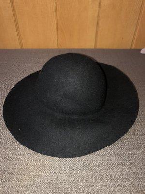 Stylischer großer Hut