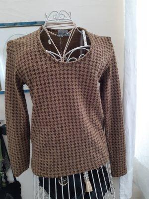 Stylischer leichter V-Neck-Pullover von More&More