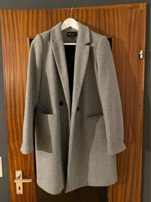 Stylischer Mantel