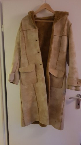 Stylischer Mantel mit kunstfell innen