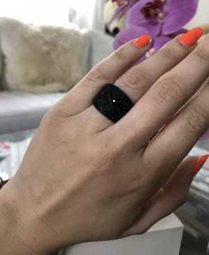 1.2.3 Paris Bague incrustée de pierres noir