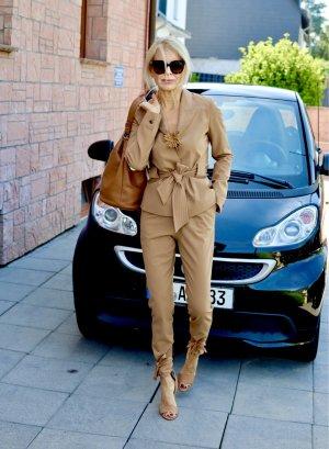 Business Suit camel wool