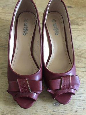 T-Strap Sandals carmine