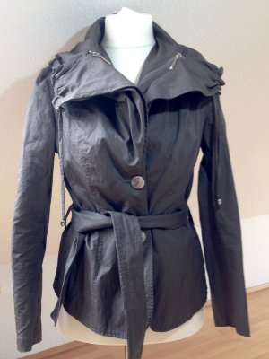 Stylishe Jacke im Knitterlook