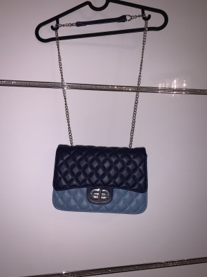 Süße blaue Tasche