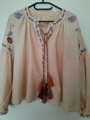 Süsse Bluse im Folklore Stil