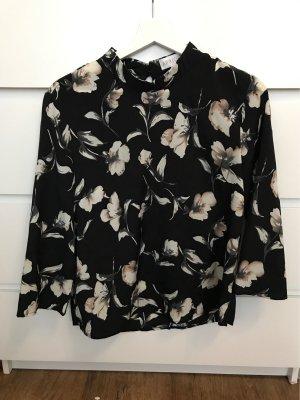 süße Bluse mit Blumenmuster