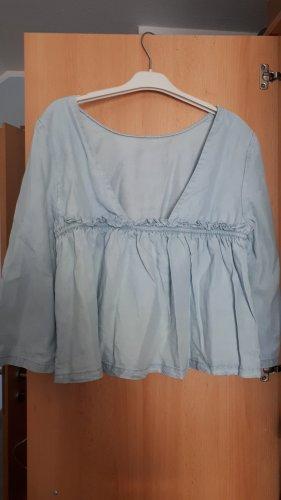 Süße Bluse mit verspieltem Rückenausschnitt Jeansoptik