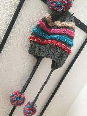 Bonnet à pompon multicolore