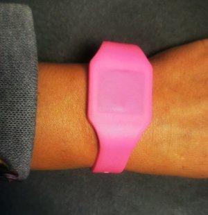 Reloj digital rosa-rosa neón
