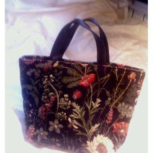 süsse 'Gobelin'handtasche ( #MUSThave_Wies'n )