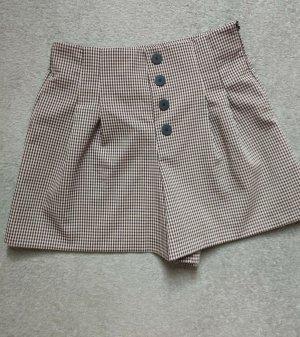 Süße High Waist Shorts von Zara