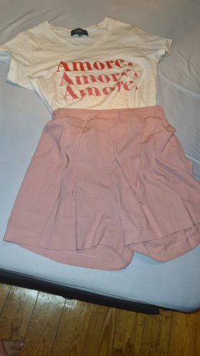 TRENDYOL Pantalón corto de talle alto color rosa dorado