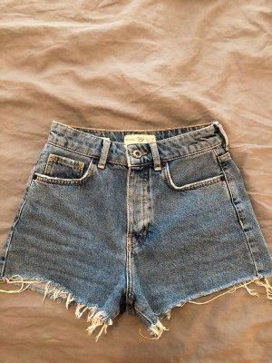 süße Jeans Shorts im Vintage Style