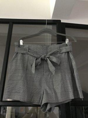 Süße karierte Shorts von Zara Trafaluc.