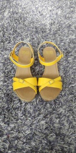 Süße Keilabsatz Sommerschuhe in gelb, 38