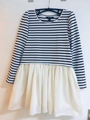 Süße Kleidchen mit Streifen