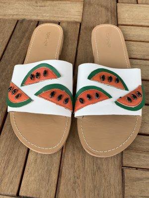 Süße Melonensandalen für den Sommer